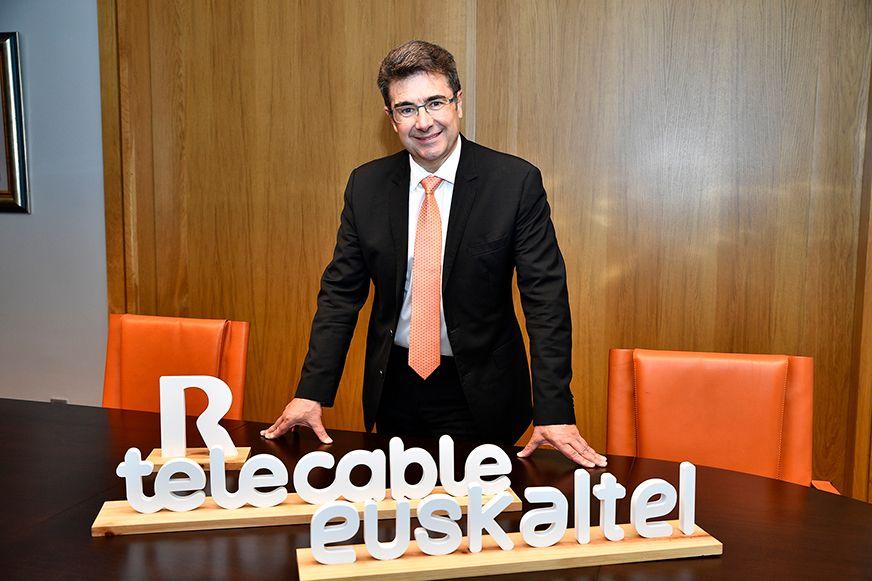 Euskaltel vale en bolsa casi 500 millones menos que cuando compró R
