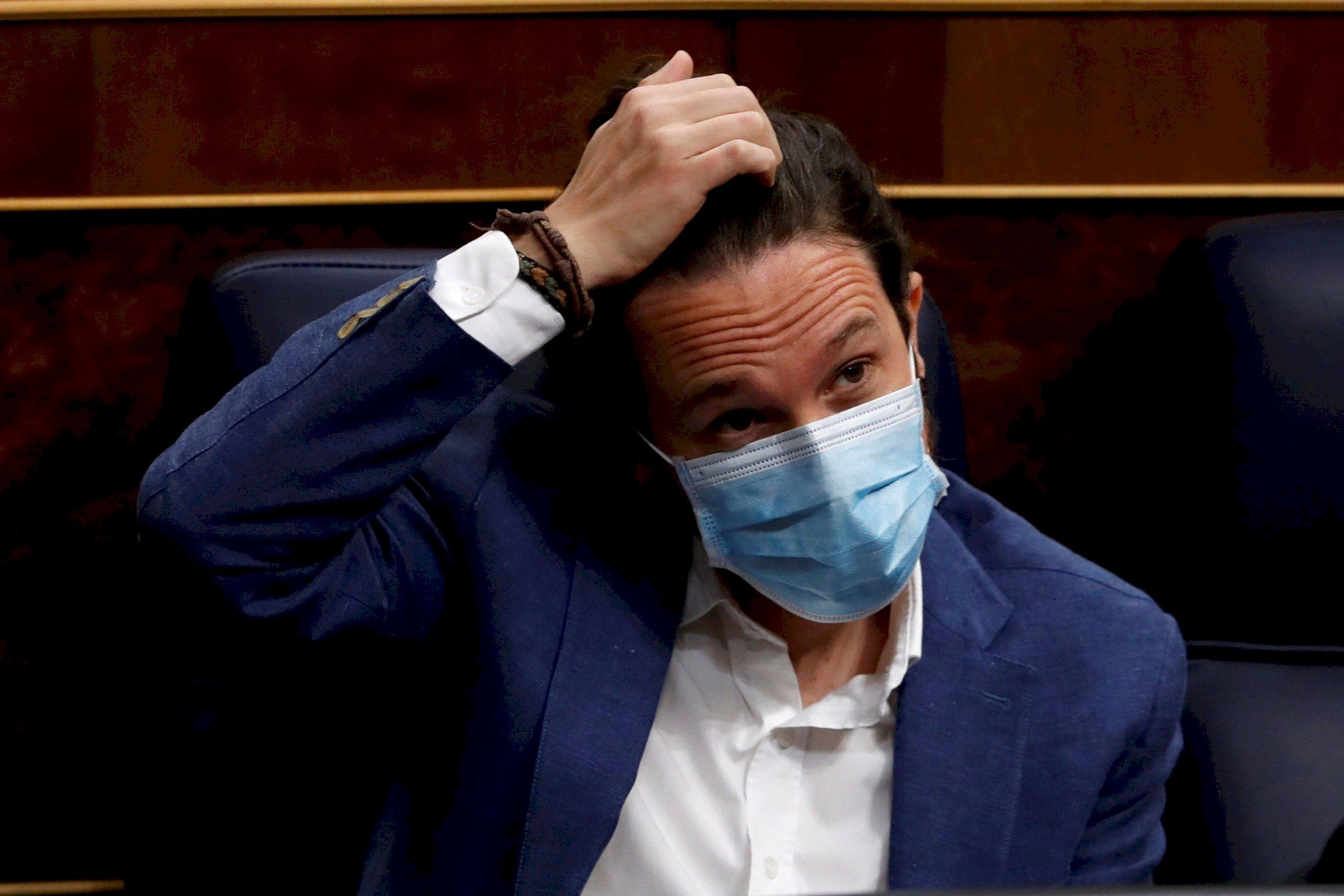 Pablo Iglesias se sube 28.000 euros el sueldo