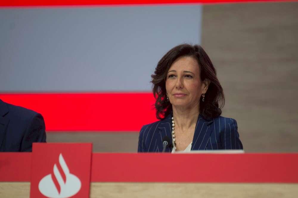 El Santander inicia el tijeretazo a su red de oficinas en Galicia