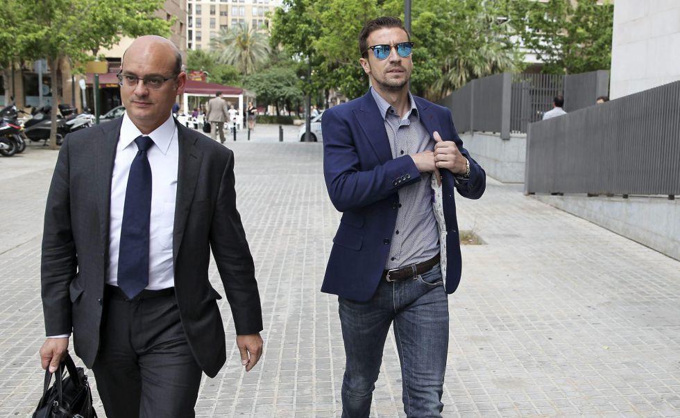 El fiscal pide penas de cárcel por el amaño que descendió al Dépor