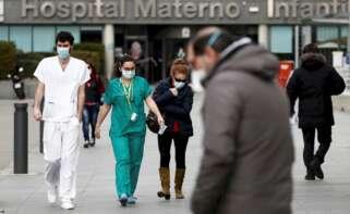 Galicia enfila el fin de las mascarillas con la menor incidencia por Covid de toda España