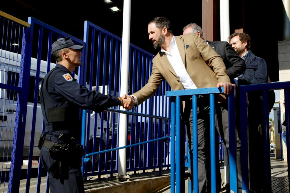 La irrupción de Vox provoca un giro histórico en Andalucía