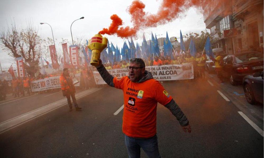 Alcaldes socialistas bregarán con las crisis de Alcoa y Ferroatlántica