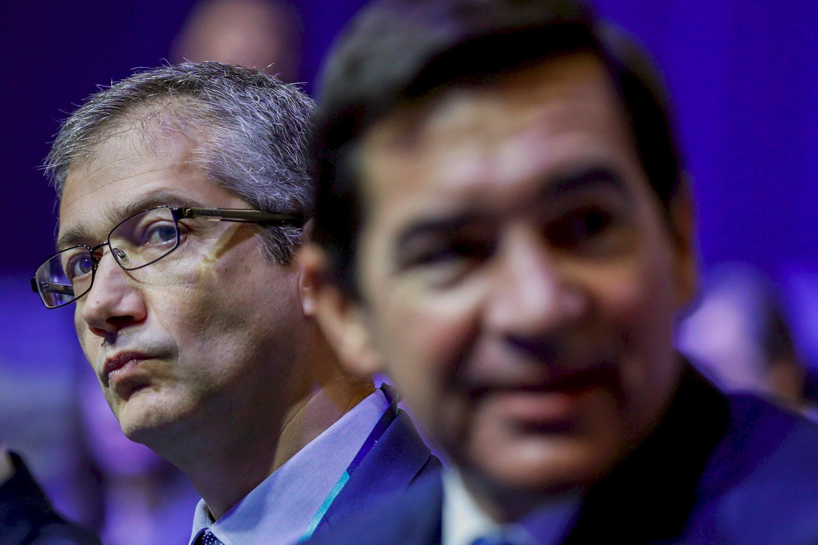 Caixabank, el Santander y BBVA esquivan el suspenso en rentabilidad