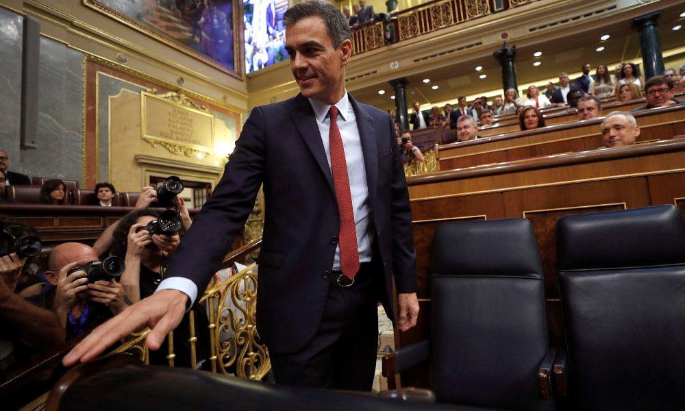 Sánchez contra Comar y Luckia: llama a frenar las salas de apuestas