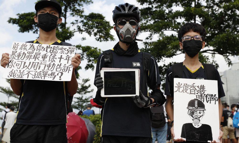 Zara cede a las presiones de China en las protestas de Hong Kong