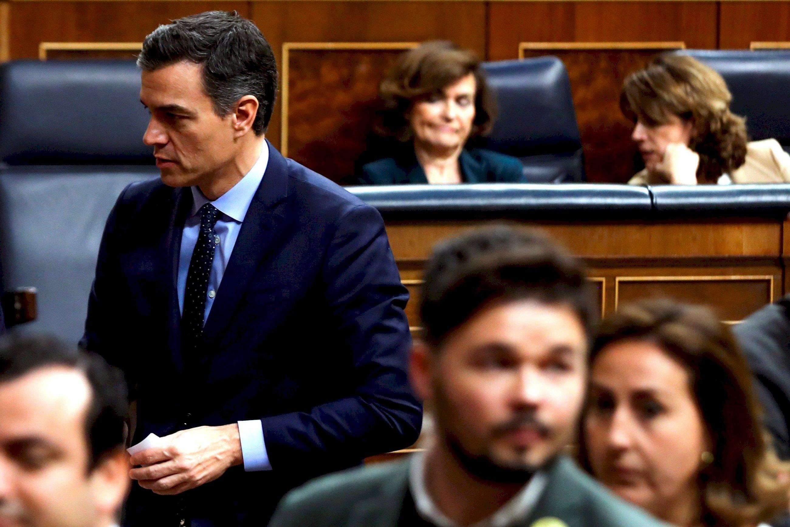 Sánchez avisa a Cs que ERC y PNV son sus socios prioritarios
