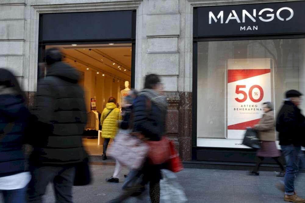 Tiendas sin rebajas: el pequeño comercio se levanta contra Sánchez