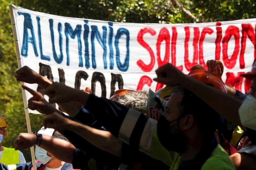 Reunión agónica: Alcoa y sindicatos negocian hasta la madrugada