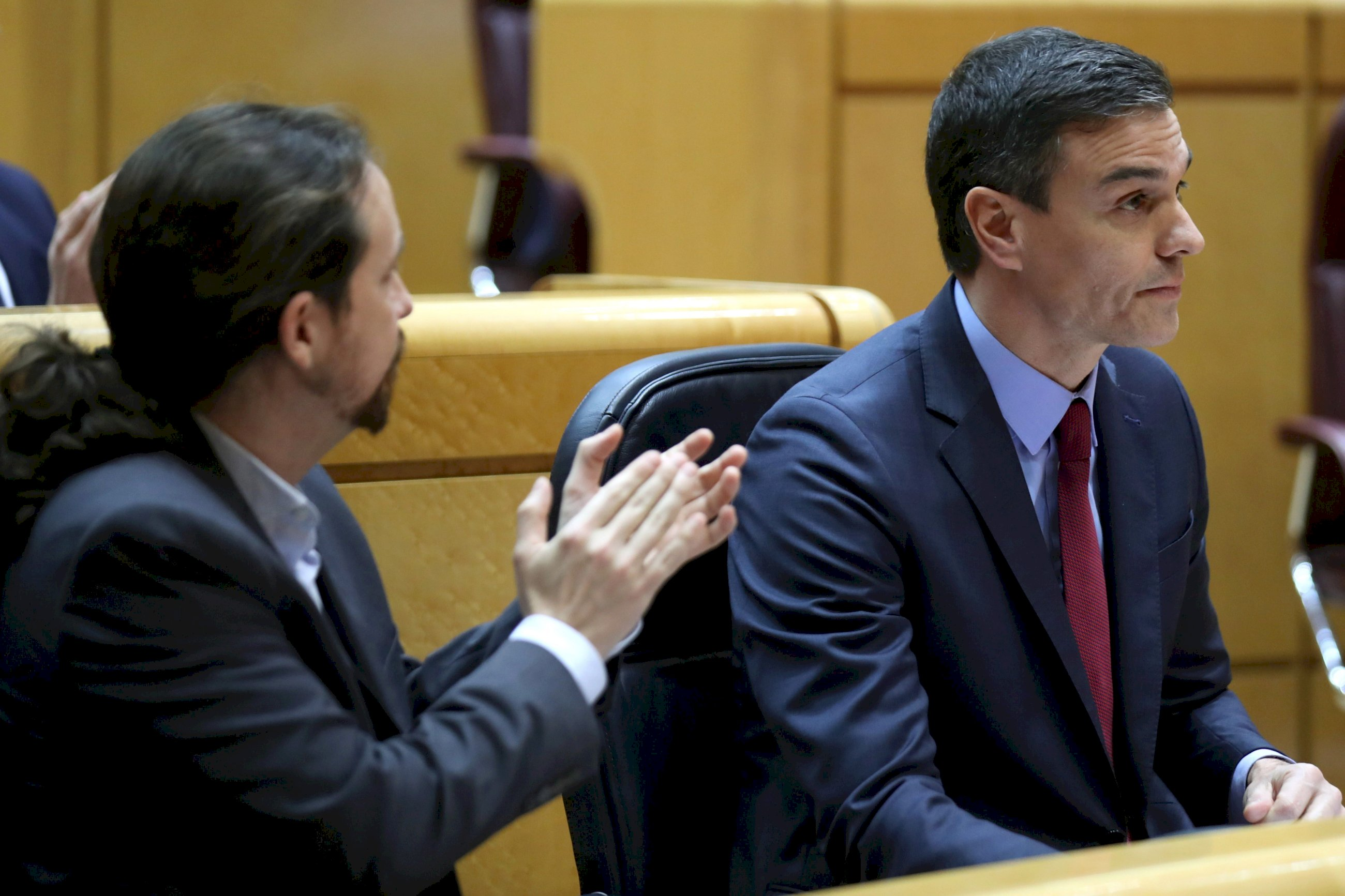 Sánchez e Iglesias impiden comparecer a los cargos relegados por Illa