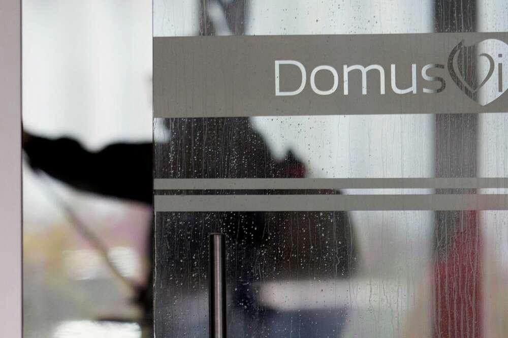 Imagen de archivo de la entrada de una residencia de DomusVi. EFE/Salvador Sas