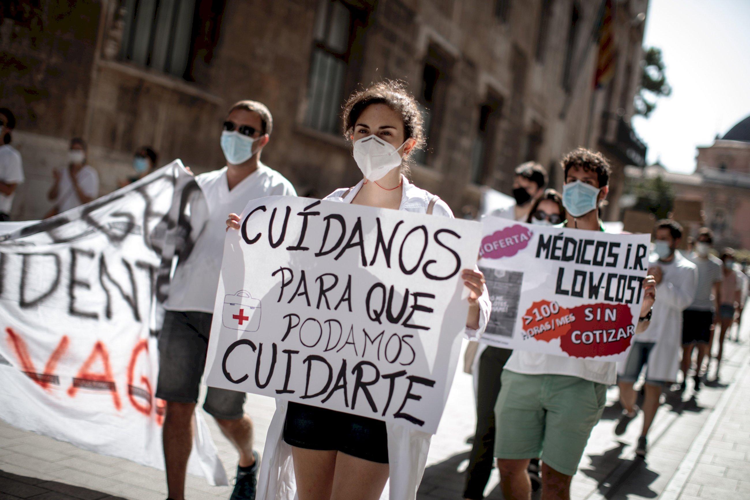 """Hablan los MIR: """"No queremos ser la mano de obra barata de la sanidad"""""""