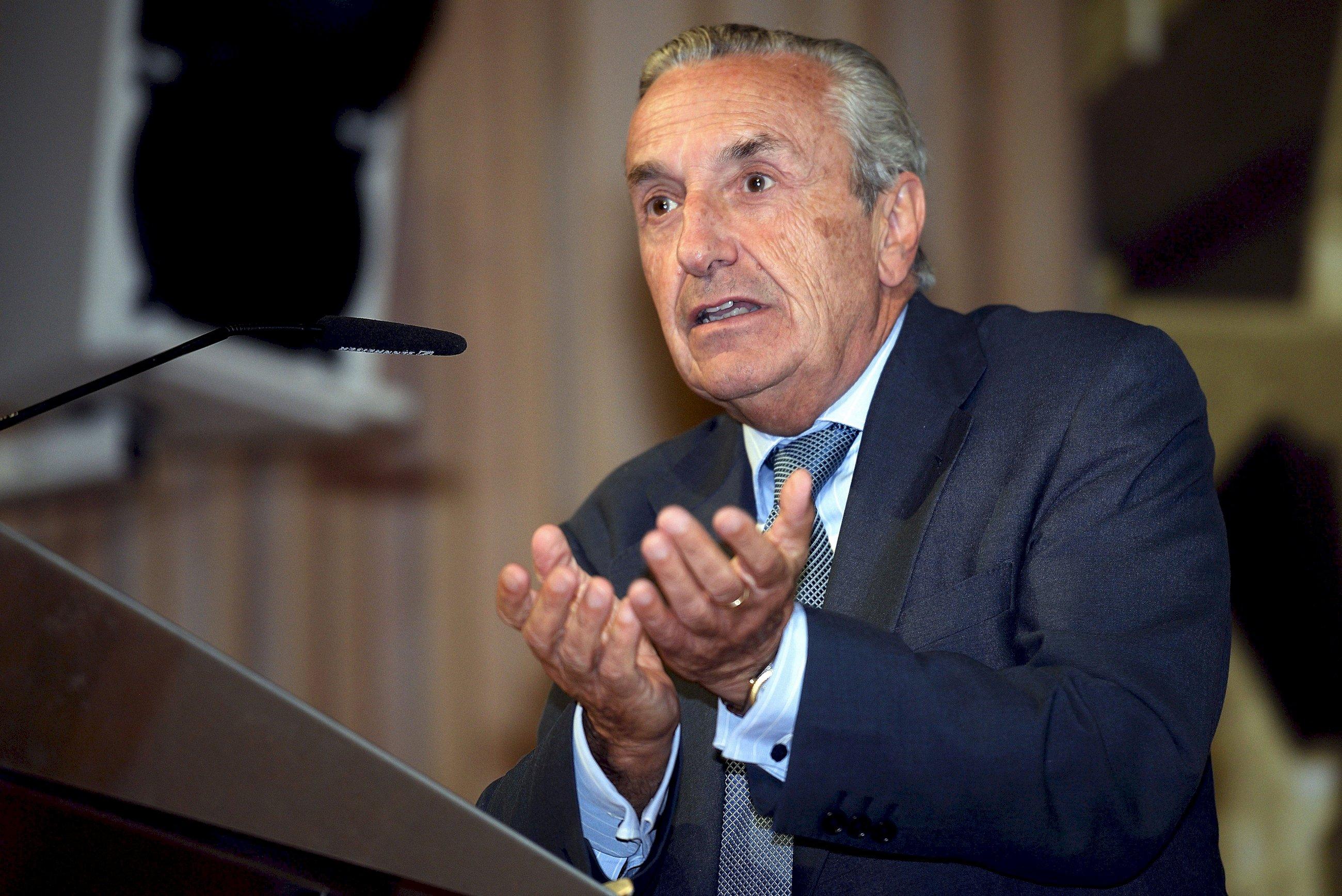 Competencia investiga a una firma gallega en un cártel de combustibles