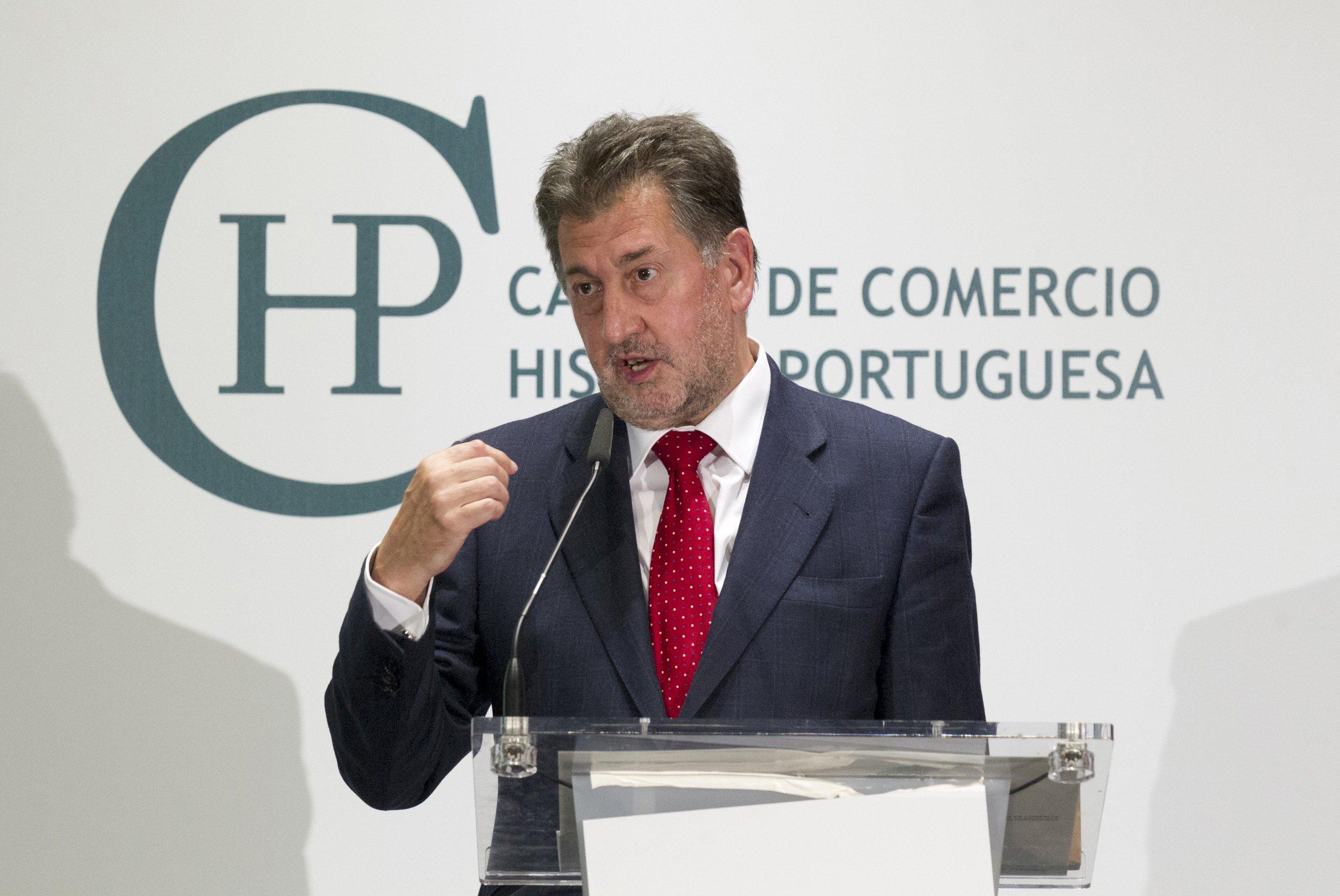 Amancio López (Hotusa) activa despidos en Chantada por el coronavirus