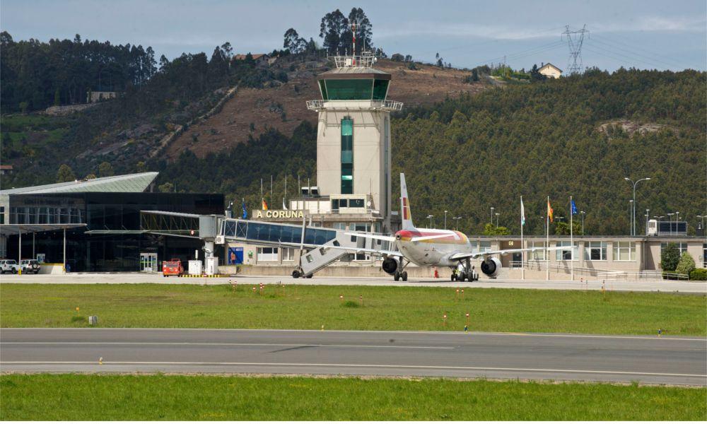 Radiografía aeroportuaria: A Coruña y Santiago crecen, Vigo cae