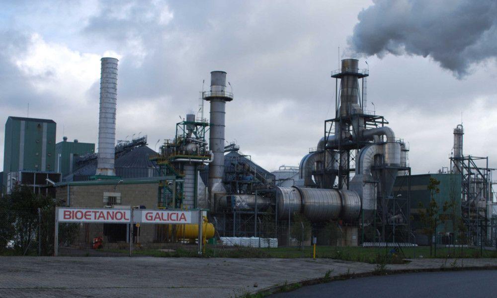 Abengoa araña 20 millones con la venta de Bioetanol Galicia y otras tres plantas