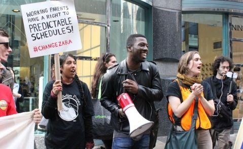 Los trabajadores de Zara protestaron en Nueva York para demandar una mejora salarial. La campaña se llamó #ChangeZara