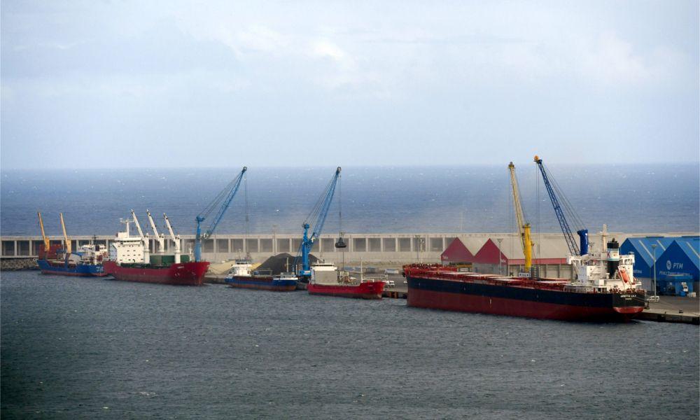 Espaldarazo a Langosteira: A Coruña finaliza un muelle de 350 metros