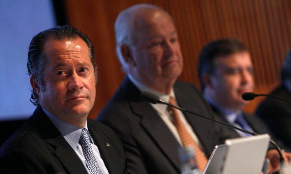 Juan Carlos Escotet releva a Javier Etcheverría en la presidencia de Abanca