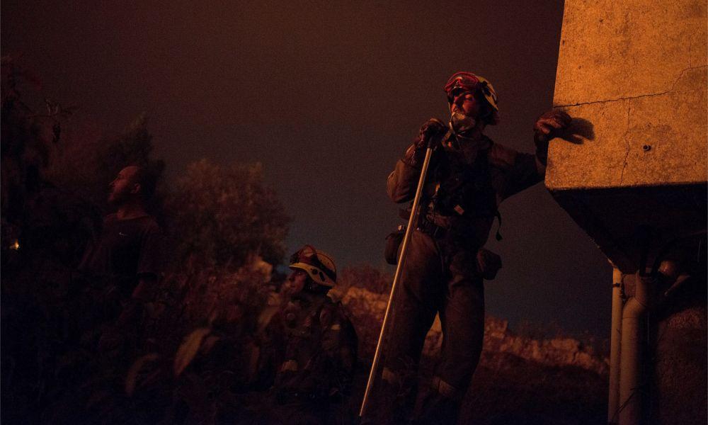 El drama continúa: 60 fuegos asolan el interior de Galicia