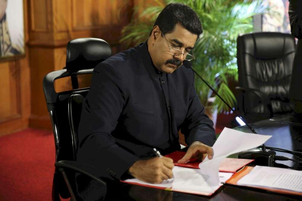 Las (sin) razones de Maduro para intervenir el banco de Escotet