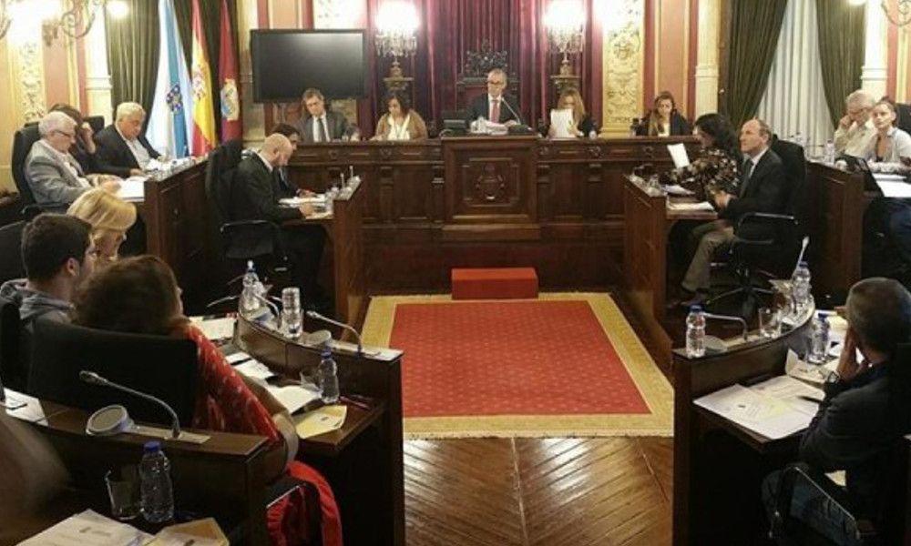 Pleno del Concello de Ourense, presidido por Jesús Vázquez