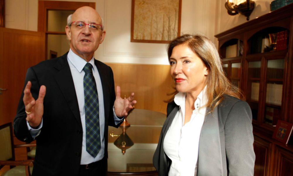 Beatriz Mato tropieza con la ley gallega de incompatibilidades