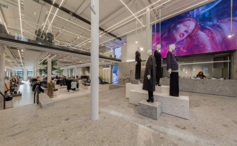 Interior de la 'flagship store' de Zara en la calle Compostela de A Coruña