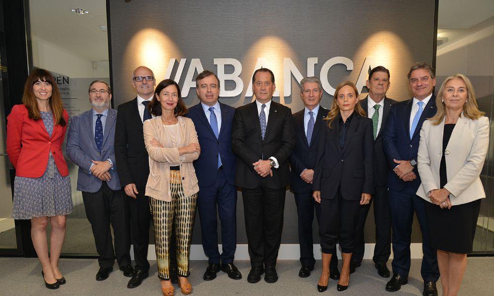 Escotet ficha a la portuguesa Ana Barros para la cúpula de Abanca