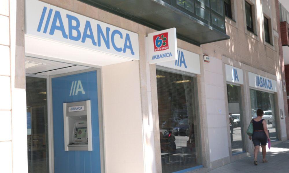 Moody's rebaja la perspectiva de Abanca, Liberbank, Ibercaja y Bankia