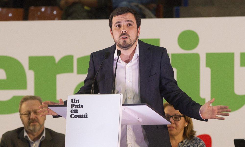 Garzón reta al juego: quiere restringir publicidad y acceso de menores