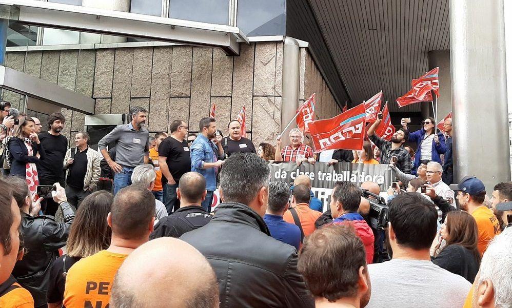 Masivo apoyo a los trabajadores imputados de Alcoa