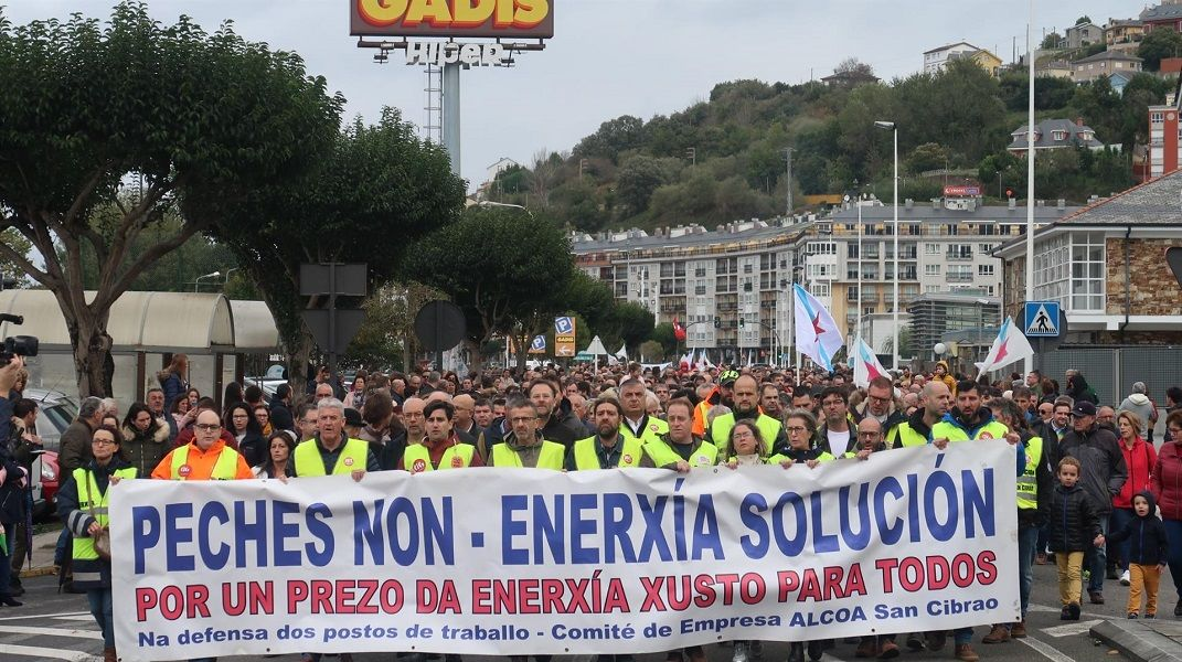 Alcoa y Ferroatlántica vuelven a la calle contra el Gobierno