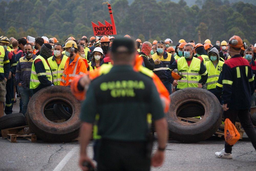 SOS de la industria: Galicia se juega 1.000 empleos en un mes negro