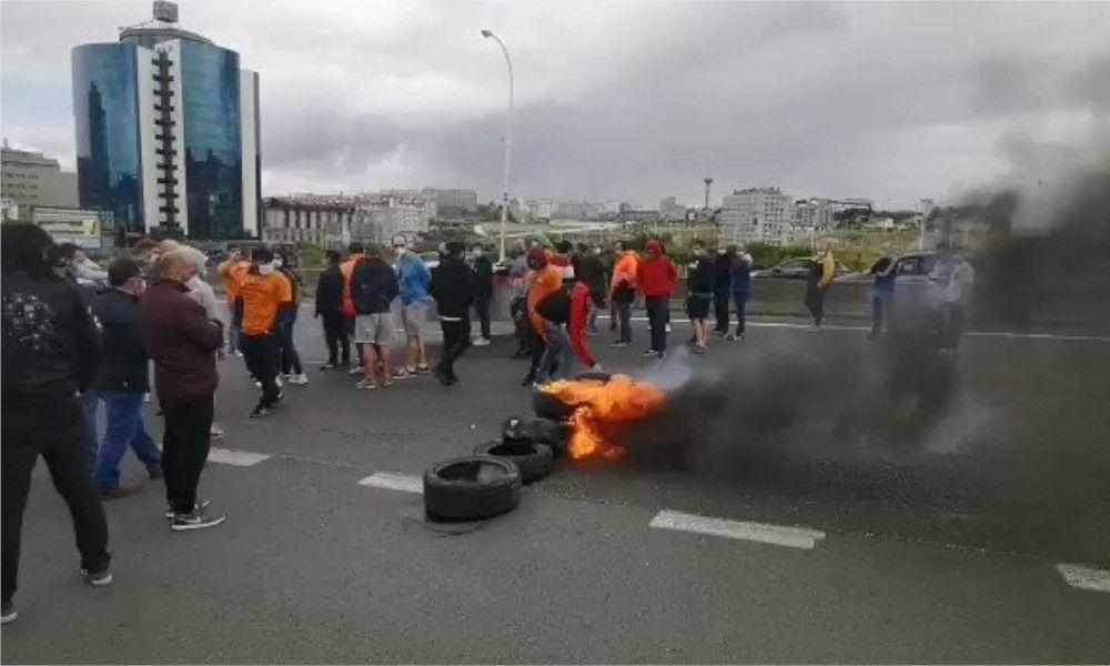 Protesta de los trabajadores de Alu Ibérica en A Coruña el pasado mes de octubre
