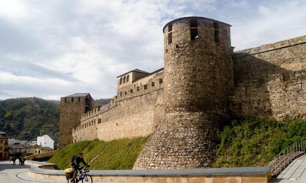 Casi la mitad del Bierzo quiere ser la quinta provincia gallega