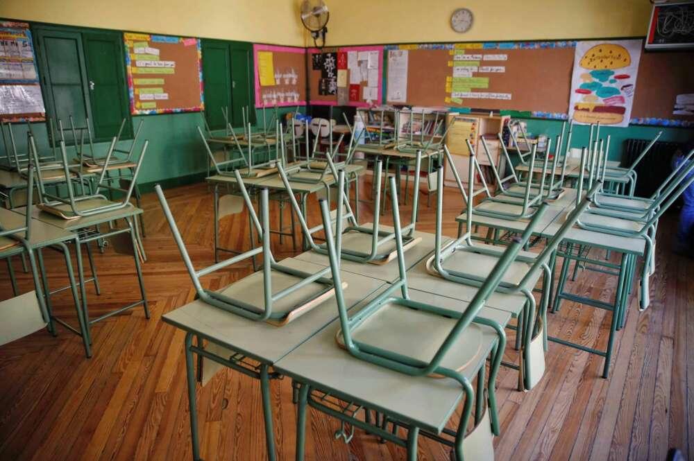 Covid-19: cierran cuatro colegios y guarderías en un día en Galicia