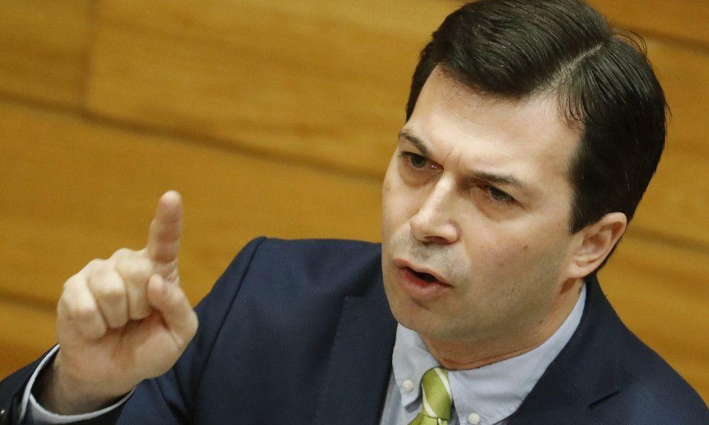 Caballero acusa a Feijóo de poner al PP por encima de Galicia