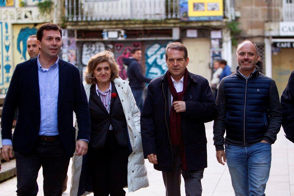 El PSOE lidera la Galicia urbana, pero el PP tiñe de azul el mapa