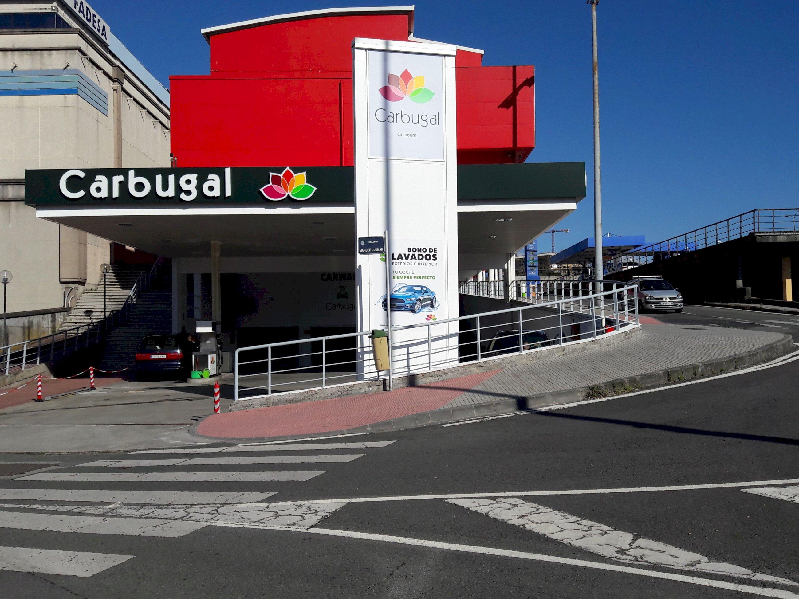 Un socio de Collazo en Carbugal está detrás del derribo de la gasolinera de Carrefour