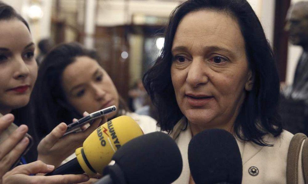 Carolina Bescansa echa el freno: aplaza su decisión sobre Podemos Galicia