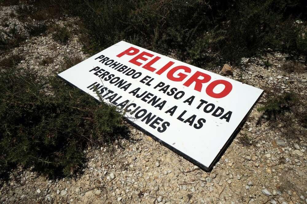 Feijóo hace responsable a la minera de la seguridad del Monte Neme
