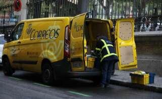 Los sindicatos reclaman la vacunación de los trabajadores de Correos en su consideración de trabajadores esenciales. E.P.