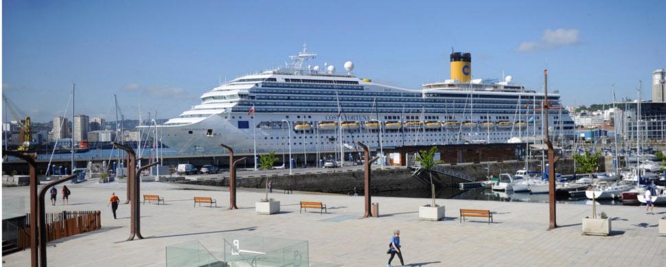 Una escala doble de cruceros deja más de 7.000 viajeros en A Coruña