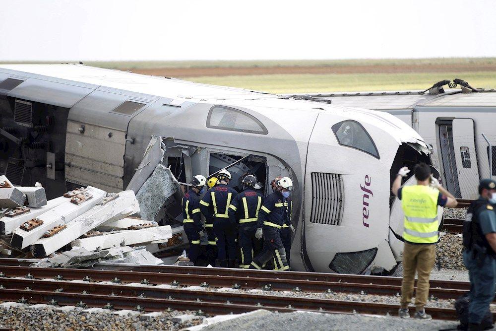 Vídeo: Dos muertos en el accidente de un Alvia A Coruña-Madrid