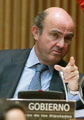 Los bancos temen que De Guindos imponga una tercera ronda de provisiones