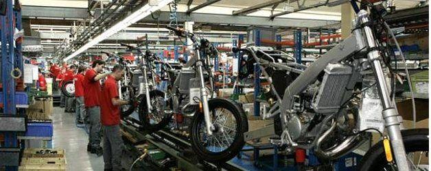 Piaggio cerrará la fábrica Derbi antes de fin de año