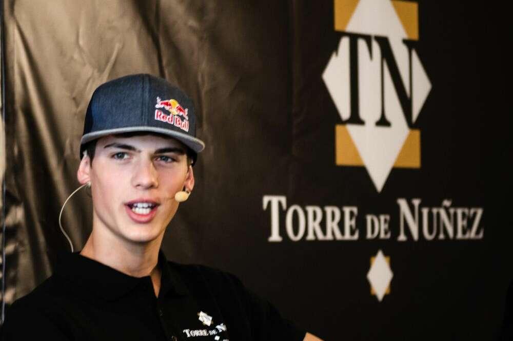 Torre de Núñez apadrina al lucense campeón mundial de motocross