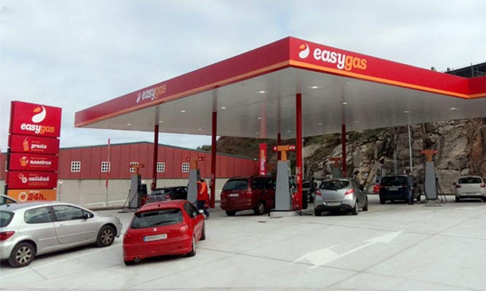 El 'boom' de las gasolineras 'low cost': cada mes abre una en Galicia