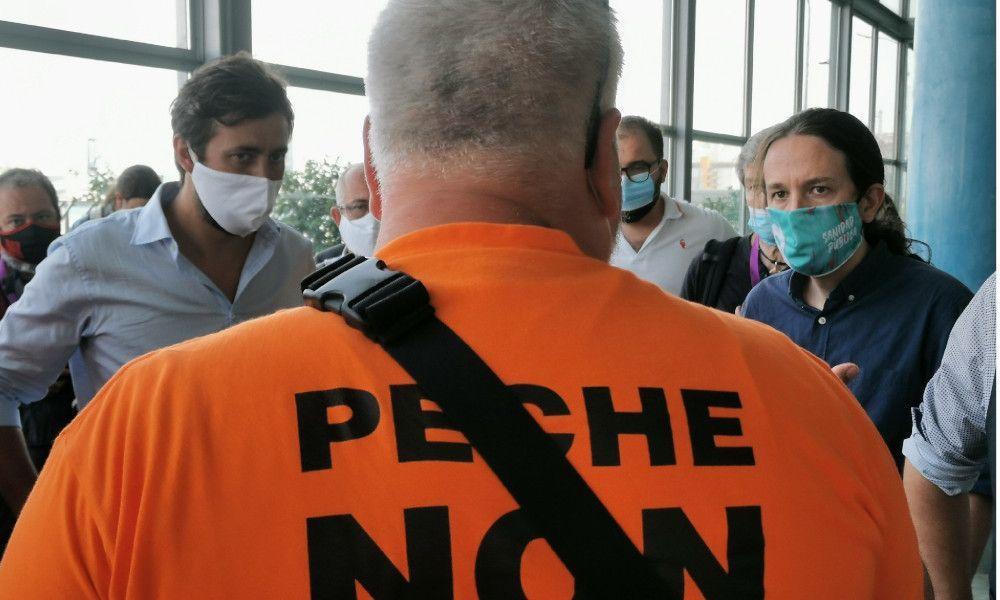 Las protestas en Alu Ibérica llegan al mitin de Pablo Iglesias